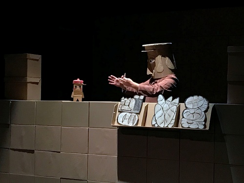 Los niños disfrutan con las enternecedoras historias de 'Luppo' y el teatro de títeres