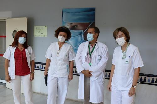 El Hospital de Poniente apuesta por la humanización en la atención a pacientes ostomizados
