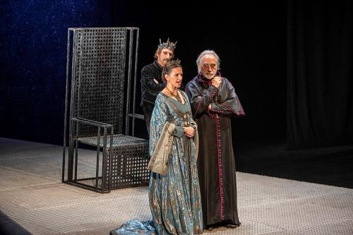 José Luis Gil muestra su saber hacer sobre el escenario en un magnífico 'Eduardo II'