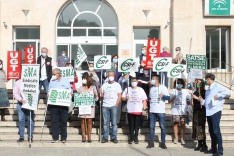 Concentración sindical en la Bola Azul para pedir la retirada de la orden que anula los permisos en el SAS