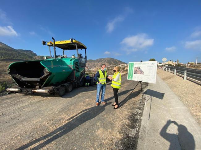 Cabrera visita en Alhama las obras de mejora del drenaje de la A-348