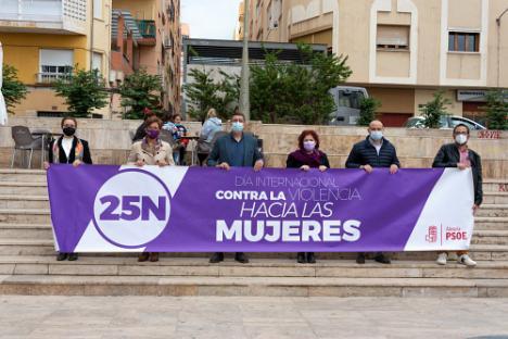 El PSOE dedica el 25N a criticar al Gobierno andaluz