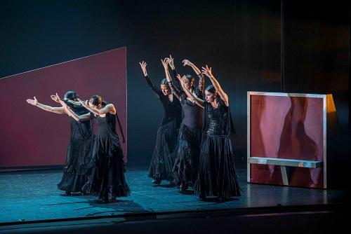 El Ballet Flamenco de Andalucía desafía a la memoria del tiempo con su '25 aniversario'
