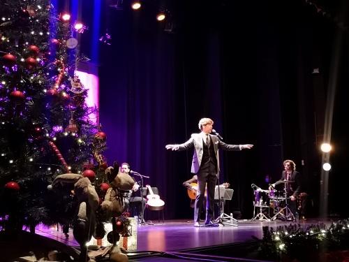 Manuel Lombo llena de Navidad Adra con sus 'Cantes de diciembre'