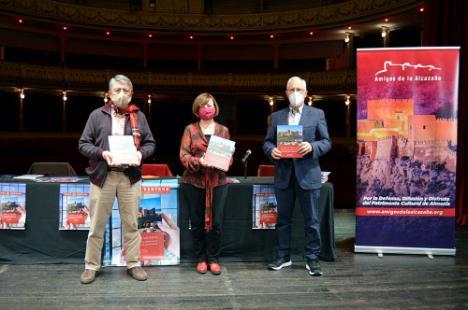 El libro 'Desde Mi Ventana' reúne a 56 firmas que evocan el patrimonio almeriense en el confinamiento