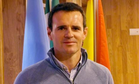 El alcalde de Purchena va a Sevilla a pedir a la Junta que mantenga el Centro de Menores