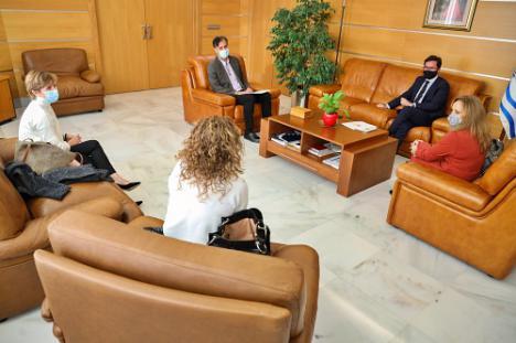 Reunión del alcalde de El Ejido con la nueva gerente de Distrito Sanitario Poniente