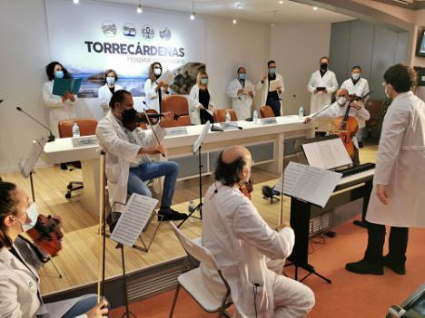 Nace la 'Orquesta y Coro' del Hospital Torrecárdenas