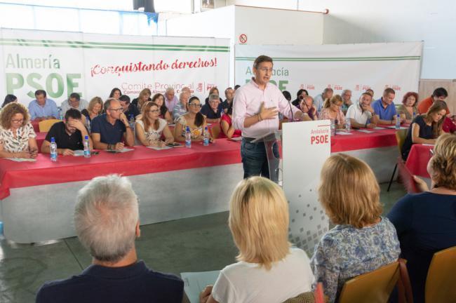 Los socialistas expresan su preocupación por la despoblación del interior