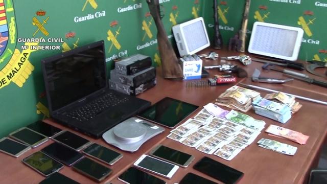Detenidos por falsificación de moneda y robo en el estadio del Málaga CF