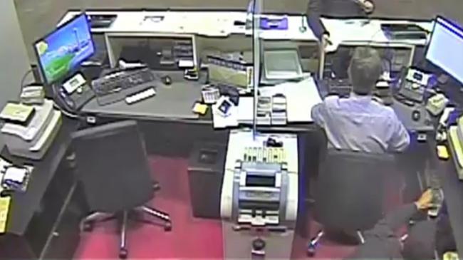 Detenidos en Almería cuatro atracadores de bancos que habían robado más de 200.000 euros
