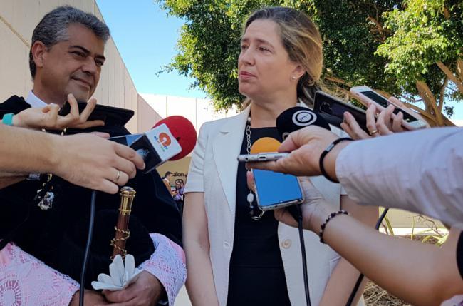 La directora general de Universidades asiste la apertura del curso en la UAL