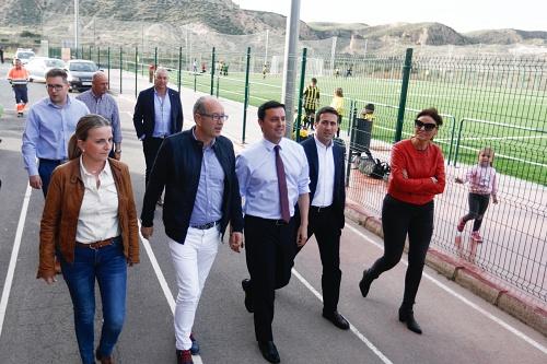 Sorbas estrena césped artificial en su campo de fútbol-7 gracias a Diputación