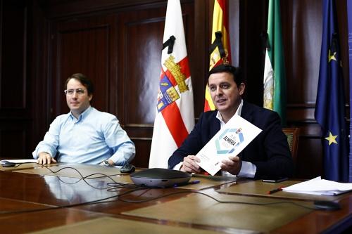 Diputación y Colegio de Abogados difunden el 'Plan Almería'