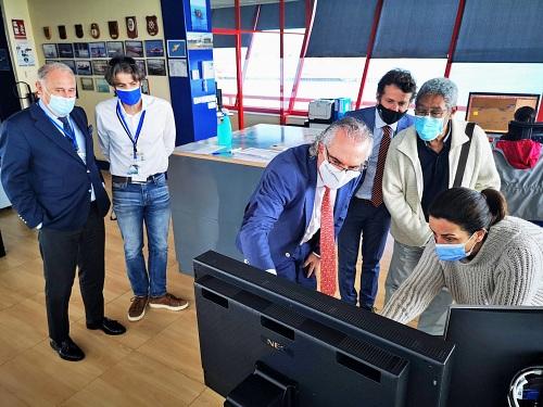 El equipo directivo de Torrecárdenas visita el Puerto de Almería