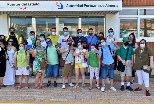 La Autoridad Portuaria recupera las visitas al puerto con un grupo de Asalsido