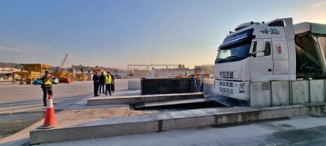 El Puerto de Almería estrena dos lava-ruedas de camiones