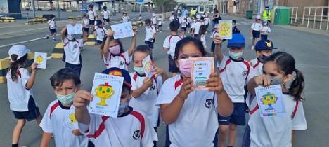 Los escolares vuelven a 'desembarcar' en el Puerto de Almería, 22 meses después