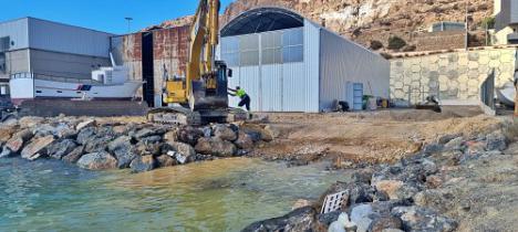 El Puerto de Almería construye una rampa de varado y botadura de pequeñas embarcaciones