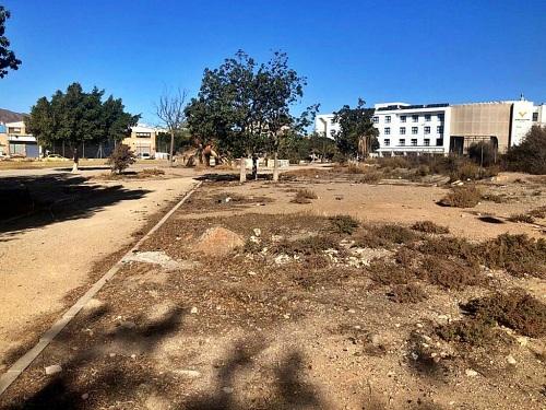 El PSOE exige la limpieza del Parque Elena Pezzi