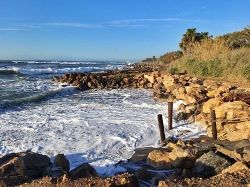 El Ayuntamiento de Adra insiste a Costas en proteger el litoral del levante