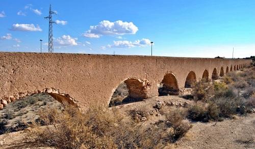 El Ayuntamiento de Huércal salva de la demolición parte del acueducto de Las Cumbres