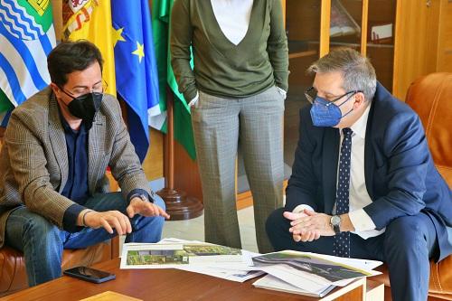 Ayuntamiento de El Ejido y Agencia Pública Sanitaria Poniente analizan la ampliación del Hospital de Poniente
