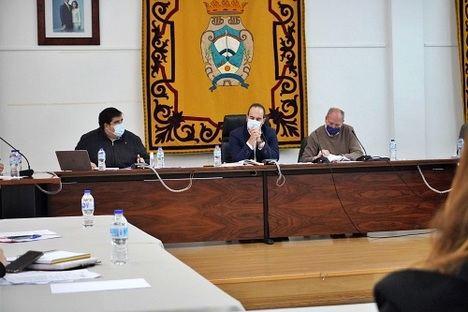 El Ayuntamiento de Carboneras se persona en la causa por la permuta de suelo a Holcim