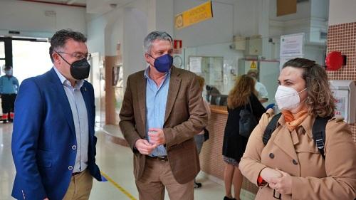 El delegado de Salud visita reforma centro de Salud Berja