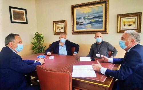 El Puerto y la Junta de Andalucía estudian una estrategia común para el turismo de cruceros