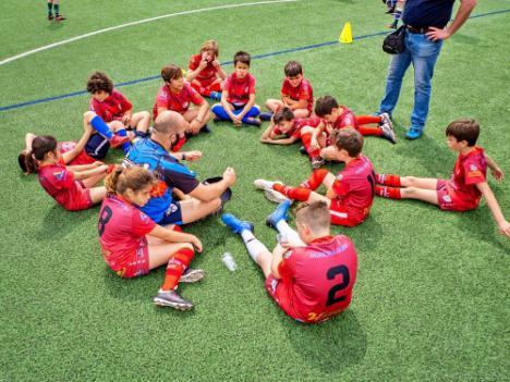 70 menores disfrutan de una Jornada de Rugby Gradual en Adra