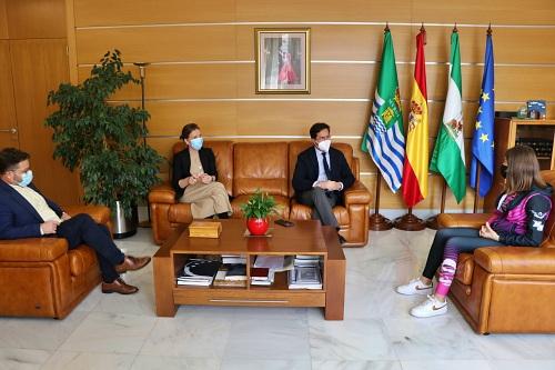 Recepción del alcalde de El Ejido la segunda en el Campeonato de Natación Infantil de Invierno