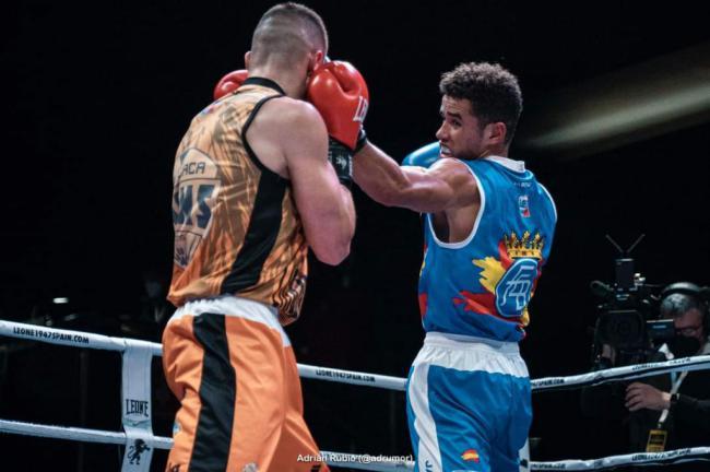 La EDM Club Lola Boxing participa con sus púgiles en la Liga Alannia Resorts de Alicante