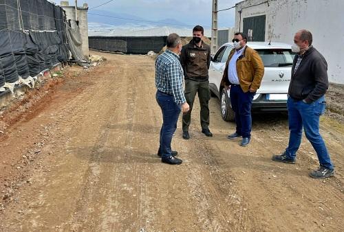 El Ayuntamiento de El Ejido destina 325.000 euros a pavimentar tres caminos rurales