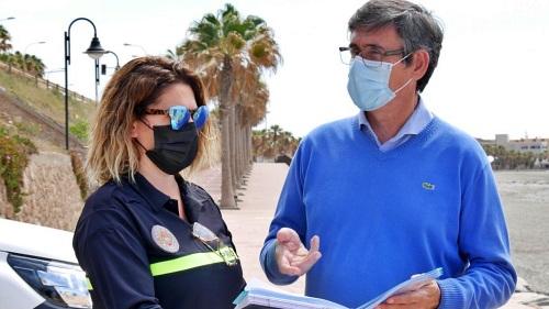 Habrá más vigilancia en las playas de las barriadas de Adra