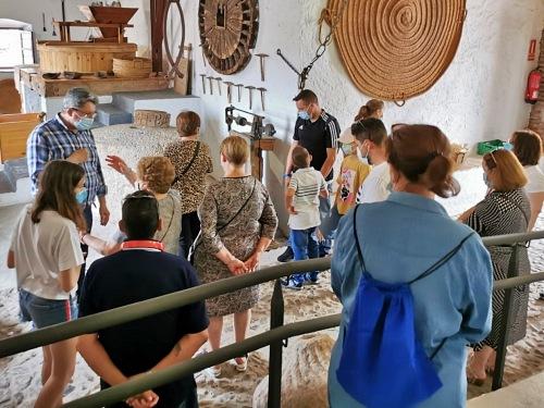 El Ayuntamiento de Adra celebra un taller informativo por el Día Nacional del Celíaco