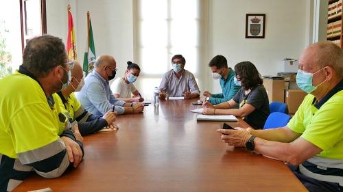 El Ayuntamiento de Adra prepara sus playas para el 15 de junio