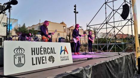 Mala Rodríguez en versión íntima y el rocanrol de Los Zigarros estrenan Huércal Live
