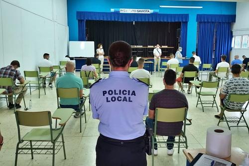 Los aspirantes a Policía Local de Adra realizan la evaluación psicotécnica