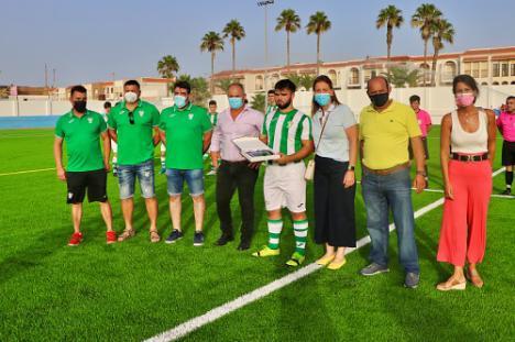 El Complejo Deportivo 'El Palmeral' ya recibe citas deportivas.