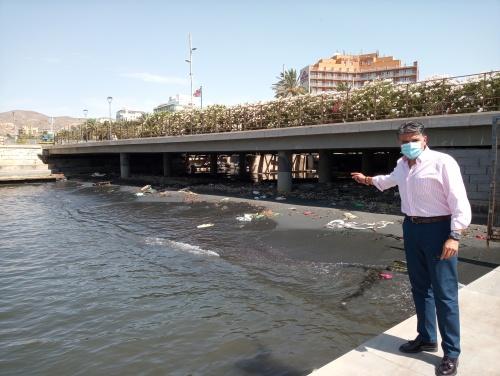 Cs exige retirar lodo fecal de la desembocadura de la Rambla de Almería