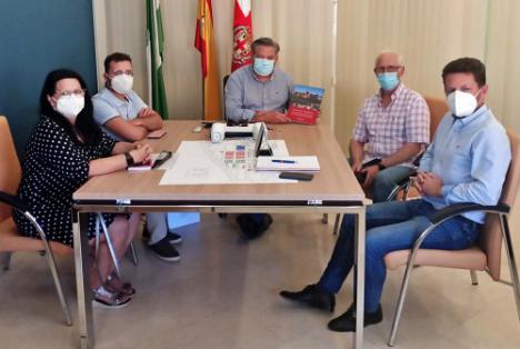 Diego Cruz abre nuevas líneas de colaboración con Amigos de la Alcazaba