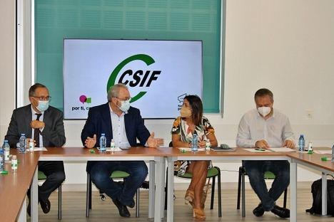 Reunión de CSIF Almería con la presidenta del Parlamento
