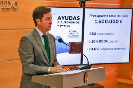 552 autónomos y pymes de El Ejido cobran la ayuda directa de 2.000 euros