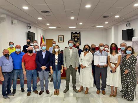 Crespo entrega 730.000 euros para mejorar el regadío de los comuneros del Río Adra