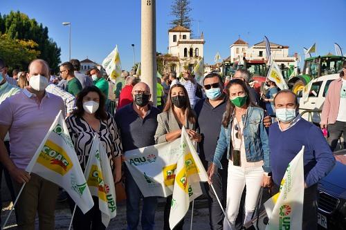 Ayuntamiento de El Ejido se suma a la manifestación en Sevilla contra la PAC