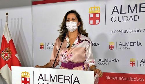 El PSOE critica la 'deslucida gestión' en las playas de Almería