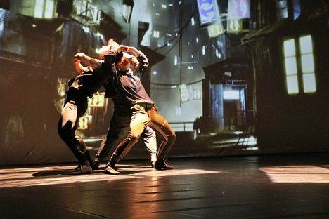 Larumbe Danza presenta su versión de 'El Lago de los Cines' en El Ejido