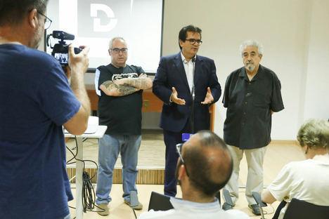 El colectivo artístico y fotográfico de la provincia se reúne en la conferencia 'Entre Imágenes'