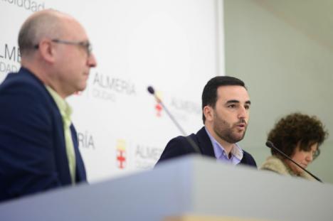 """Ayuntamiento, cofrades y hosteleros califican de """"espectacular"""" la Semana Santa de Almería"""